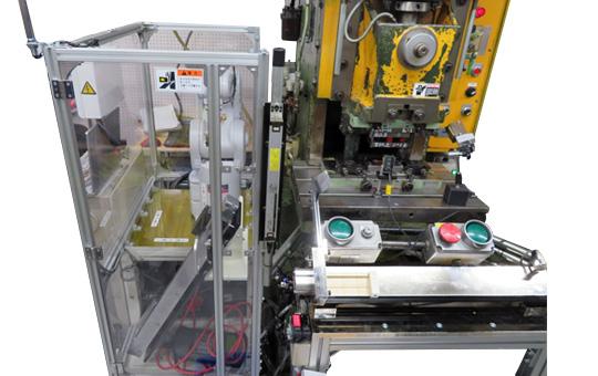 プレス用多軸ロボット 供給取出し装置